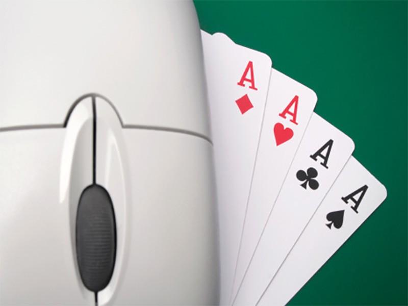 Poker veče sa ortacima u karantinu?