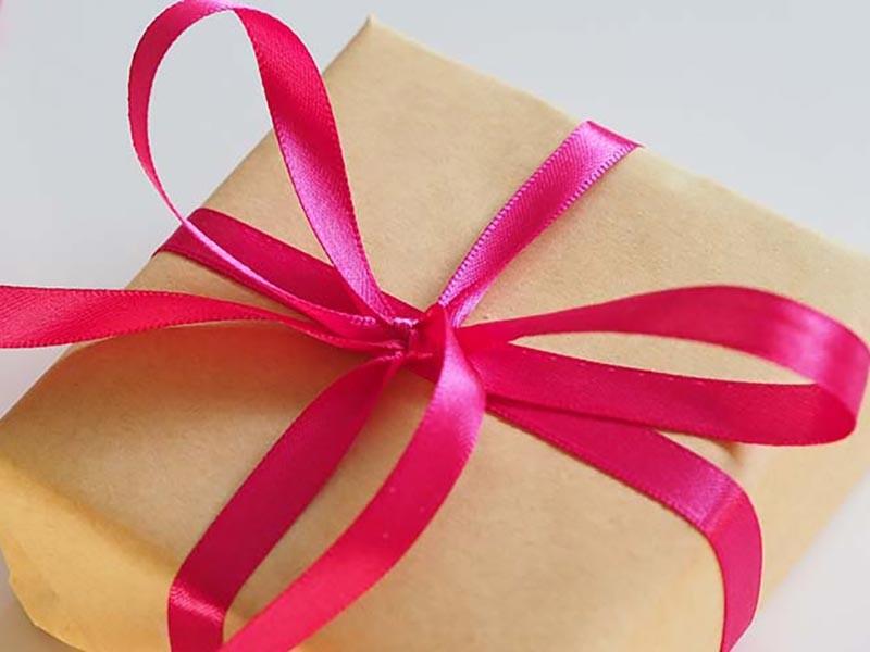 Praktični saveti za kupovinu poklona prijateljima