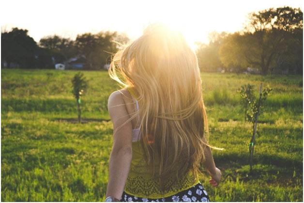 Leto devojcica sunce